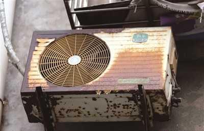 一旦支架锈蚀严重,空调在工作时发生抖动,容易造成空调室外机移位