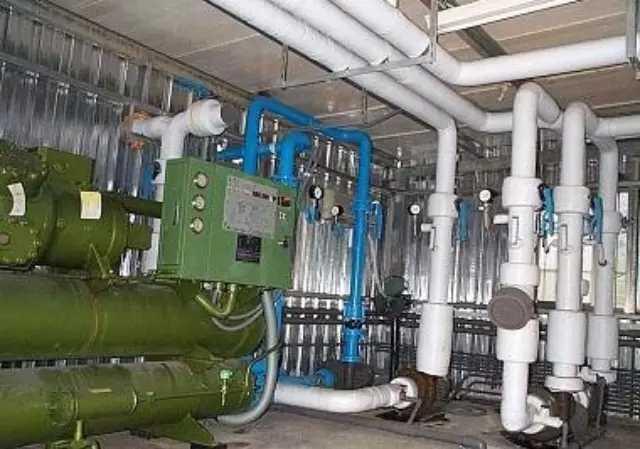 水冷机房空调系统管路安装布局